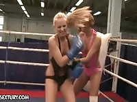 Sporty boxing girls eat pussy