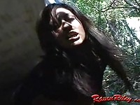 Amateur Raven Riley fingers pussy outside