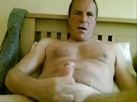 Gay webcam dude jerking off