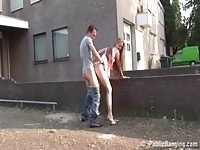 Brunette gets herself fucked in alley