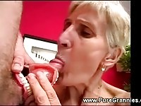 A nasty bonde granny sucking