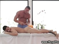 Big%20toned%20and%20muscular%20masseur%20draws%20anal%20rimming
