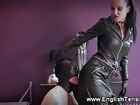 Slave worships mistress while wanking