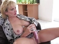 Mature european lady sonia gets off watching past videos