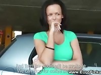 Amateur babe gets pulled inside a car