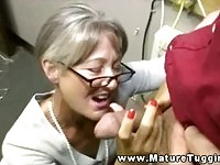Maure slut wanking in here