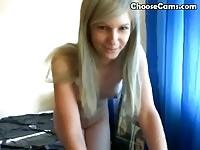 Webcam girl dancing all nude!