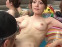 Lusty Japanese babes get their pussies eaten by a horny dude