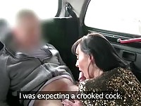 Hot amateur picked up MILF gives head and rides a cab driver