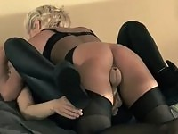 Glam blonde chick does another tight pussy