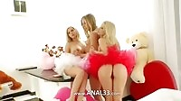 Three%20unique%20blondes%20exposing%20ass