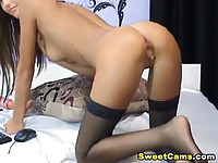 Sexy chick moaning and toying