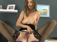 Sublime goddess in stockings goes for a wet and messy solo