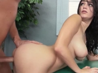 Sexy Holly Michaels nailed by a masseur