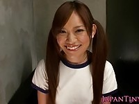 Sweet May Nozomi toys on her twat