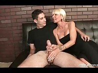 Mature blonde lady wanking