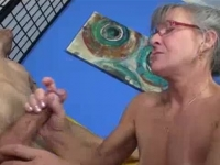 Kinky mature uses her bare hands to pleasure cock