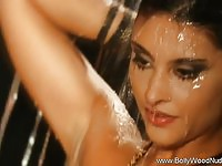 Bollywood Babe In Nude Cleansing Time