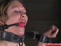 Blonde mom gets bound in here