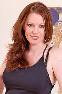 Pornstar Holly Kiss